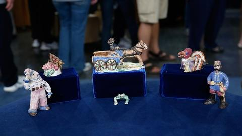 Antiques Roadshow -- S18 Ep33: Appraisal: Overbeck Pottery Figurines, ca. 1940