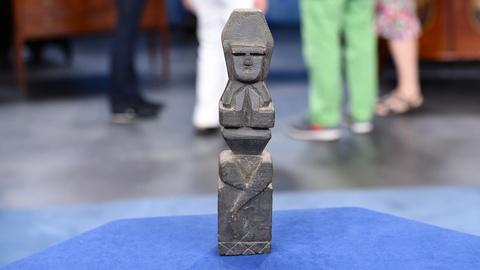 Antiques Roadshow -- S19 Ep1: Appraisal: Louise Nevelson Wood Carving, ca. 1945