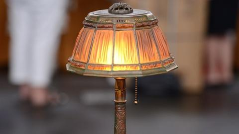Antiques Roadshow -- S19 Ep1: Appraisal: Tiffany Studios Desk Lamp, ca. 1910
