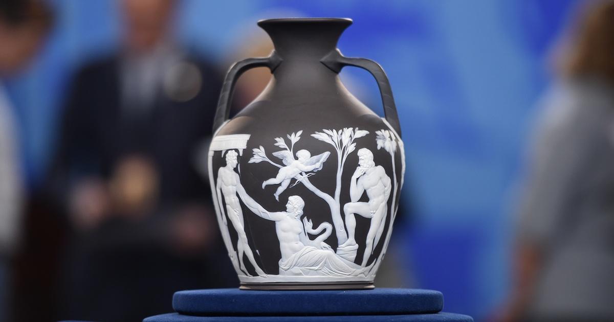 Appraisal Wedgwood Black Jasper Portland Vase Antiques Roadshow Pbs