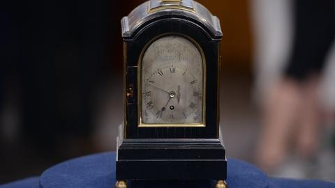 Antiques Roadshow -- S19 Ep2: Appraisal: Miniature Bracket Clock, ca. 1820