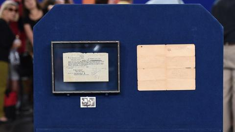 Antiques Roadshow -- S19 Ep2: Appraisal: WWI Armistice Telegram Archive