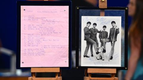 Antiques Roadshow -- S19 Ep2: Appraisal: The Beatles Show Run & Signed Photo