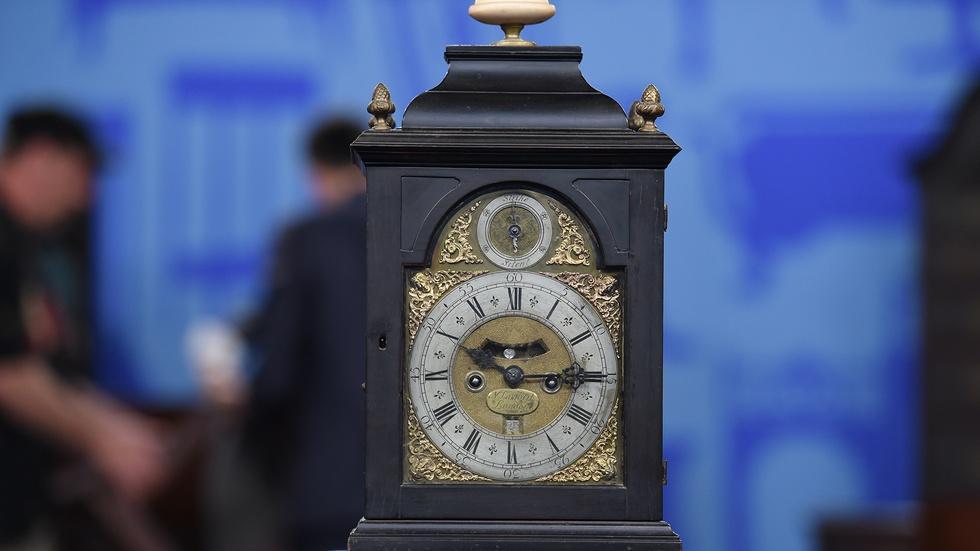 S19 Ep3: Appraisal: English Bracket Clock, ca. 1730 image