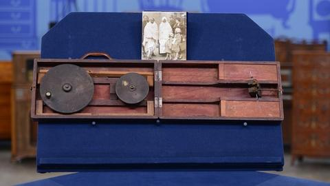 Antiques Roadshow -- Appraisal: Mahatma Gandhi Presentation Spinning Wheel