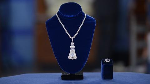 Antiques Roadshow -- S19 Ep5: Appraisal: Diamond & Sapphire Jewelry