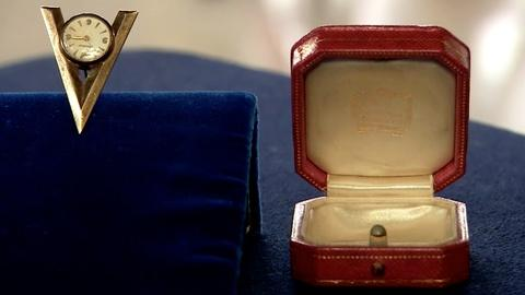 "Antiques Roadshow -- S19 Ep6: Appraisal: Cartier ""V for Victory"" Watch, ca. 1940"