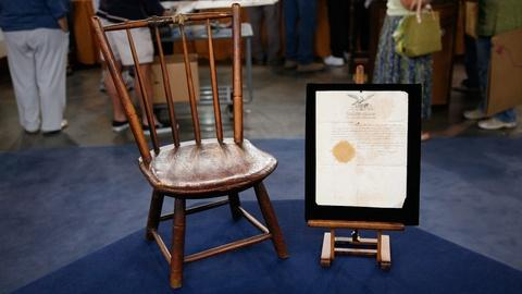 Antiques Roadshow -- S19 Ep34: Appraisal: Windsor Chair & Passport, ca. 1815