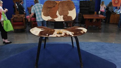 "Antiques Roadshow -- S19 Ep8: Appraisal: Charles Eames ""LCW"" Chair, ca. 1955"