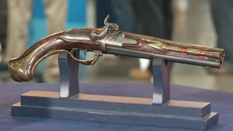 Antiques Roadshow -- S19: Web Appraisal: 18th C. German Over-Under Pistol