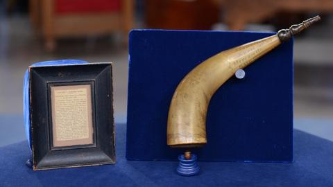Antiques Roadshow -- S19 Ep9: Appraisal: 1864 Carved Powder Horn