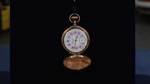 Antiques Roadshow -- S19 Ep10: Appraisal: Multicolored Gold Pocketwatch, ca. 1885