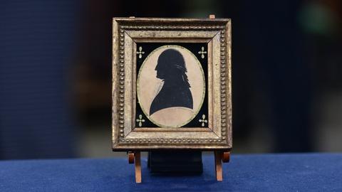 Antiques Roadshow -- S19 Ep11: Appraisal: 1791 George Washington Silhouette Minia