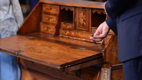 Antiques Roadshow -- S19 Ep11: Appraisal: Dutch Rococo Revival Desk, ca. 1890