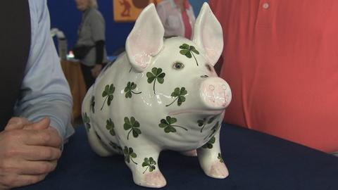 Antiques Roadshow -- S19 Ep13: Appraisal: Wemyss Pottery Pig, ca. 1935