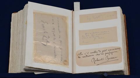 Antiques Roadshow -- S19 Ep13: Appraisal: Italian Hotel Proprietor's Autograph Bo