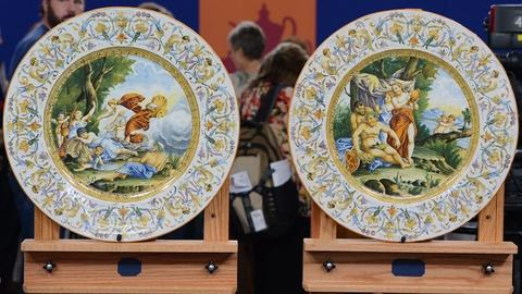 Antiques Roadshow -- S19 Ep13: Appraisal: Italian Majolica Chargers, ca. 1880