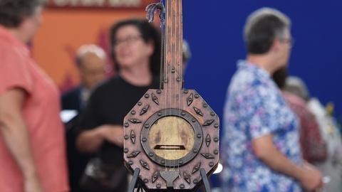 Antiques Roadshow -- S19 Ep17: Appraisal: Folk Art Inlaid Banjo, ca. 1900