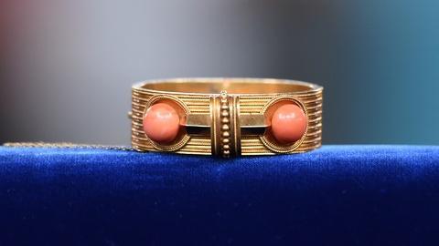 Antiques Roadshow -- S19 Ep17: Appraisal: Gold & Coral Bracelet, ca. 1870