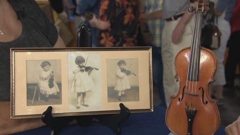 Antiques Roadshow -- S19 Ep17: Appraisal: 1/16-Size French Violin, ca. 1860