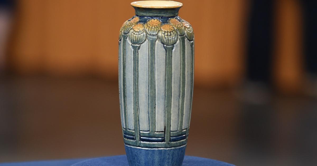 Appraisal Newcomb College Vase Ca 1905 Antiques Roadshow Lpb
