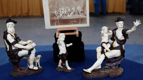 Antiques Roadshow -- S14 Ep5: Appraisal: 19th C. Troger-Style Ivory & Boxwood Fig