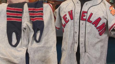 Antiques Roadshow -- S19: Web Appraisal: 1948 Cleveland Indians Bat Boy Worn Unif