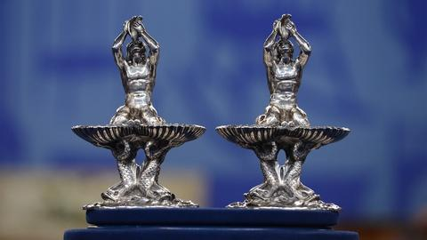 Antiques Roadshow -- S19 Ep19: Appraisal: Pairpoint Brothers Table Ornaments, ca.