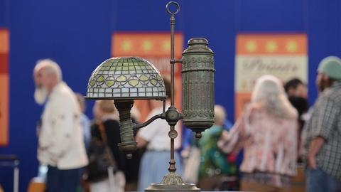 Antiques Roadshow -- S19 Ep20: Appraisal: Tiffany Studios Student Lamp, ca. 1900