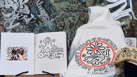 Antiques Roadshow -- S19 Ep23: Appraisal: 1989 Keith Haring Graffiti Art