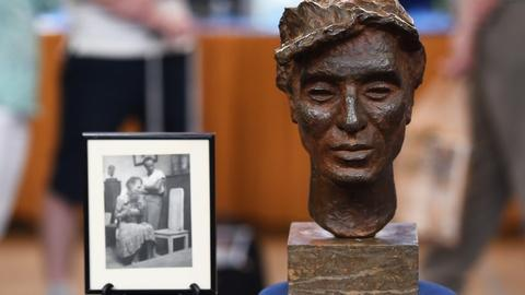 Antiques Roadshow -- S19 Ep24: Appraisal: Bronze Attributed to Renée Sintenis, ca