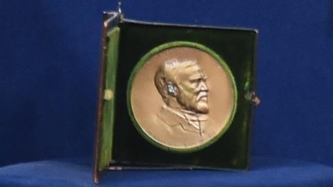 Antiques Roadshow -- S19 Ep24: Appraisal: 1931 Carnegie Hero Medal