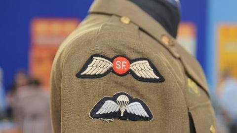 Antiques Roadshow -- S19 Ep32: Appraisal: World War II Uniform with Special Force