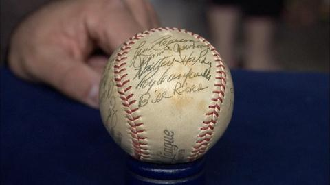 Antiques Roadshow -- S19 Ep32: Appraisal: Roy Campanella-Signed Baseball