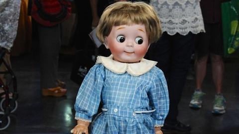 Antiques Roadshow -- S19 Ep32: Appraisal: J.D. Kestner Googly Eyed Doll