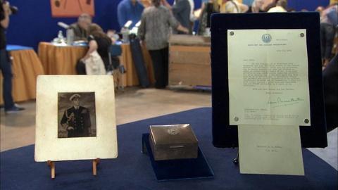 Antiques Roadshow -- S19 Ep33: Appraisal: Louis Mountbatten Cigar Case & Letters