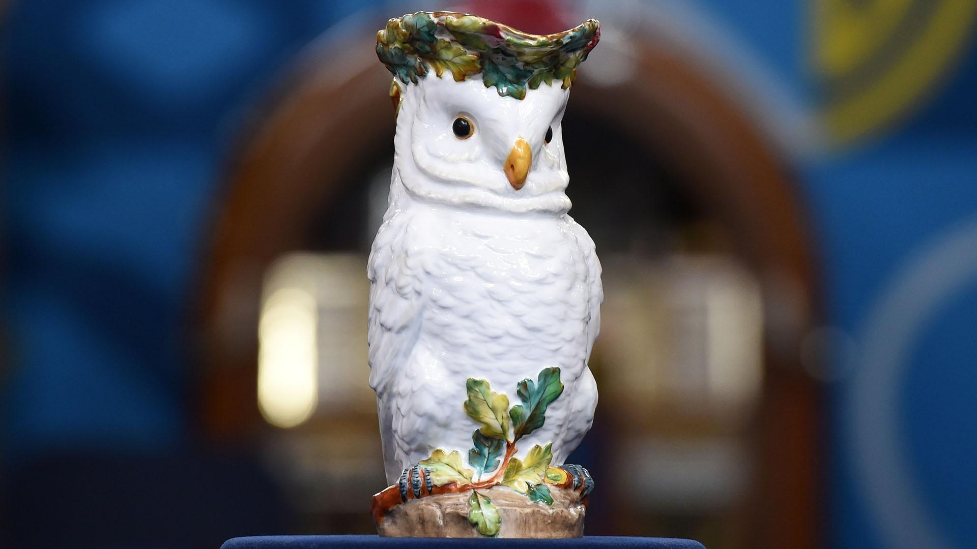 Crown Derby Owl Jug Ca 1875