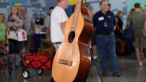 Antiques Roadshow -- Appraisal: 1927 Folk Art Weissenborn-style Guitar