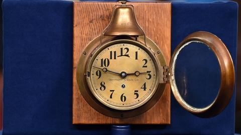 Antiques Roadshow -- S20 Ep2: Appraisal: Vermont Clock Company Marine Clock, ca.