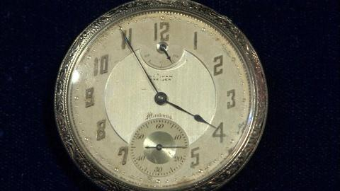 Antiques Roadshow -- Appraisal: 1908 Waltham Premier Maximus Gold Pocket Watch