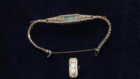 Antiques Roadshow -- Web Appraisal: Art Deco Diamond & Platinum Lady's Wristwatch