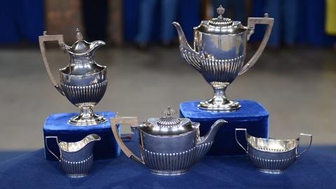 Antiques Roadshow -- S20 Ep4: Appraisal: English Silver Tea & Coffee Service, ca.
