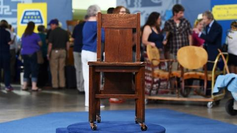 Antiques Roadshow -- S20 Ep6: Appraisal: 1905 Frank Lloyd Wright Chair