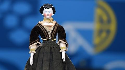 Antiques Roadshow -- S20 Ep6: Appraisal: German Fancy-Hair China Doll, ca. 1880