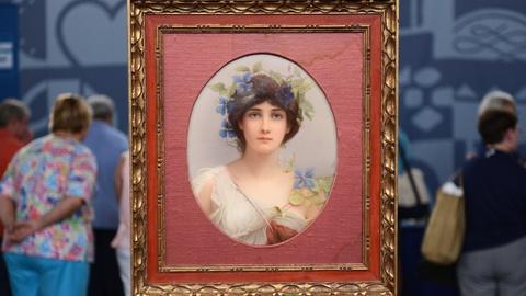 """Antiques Roadshow -- S20 Ep6: Appraisal: KPM Wagner""""Daphne""""Porcelain Plaque,ca"""