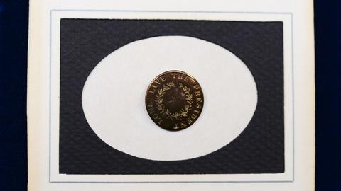Antiques Roadshow -- S20 Ep7: Appraisal: 1789 George Washington Inaugural Button