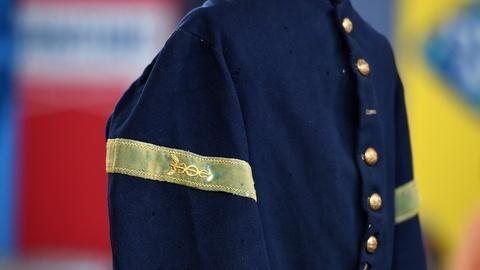Antiques Roadshow -- S20 Ep9: Appraisal: Civil War Hospital Steward's Uniform