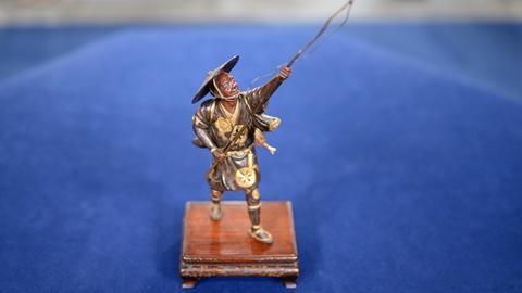 Antiques Roadshow -- S20 Ep9: Appraisal: Japanese Parcel Gilt-Bronze Okimono, ca.