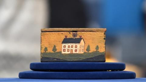 Antiques Roadshow -- S20 Ep9: Appraisal: Fake Jacob Weber Painted Box