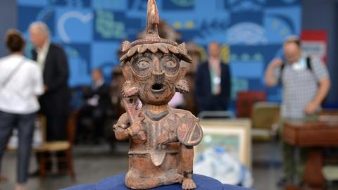Antiques Roadshow -- S20 Ep11: Appraisal: 20th-Century Reproduction Nayarit Seate